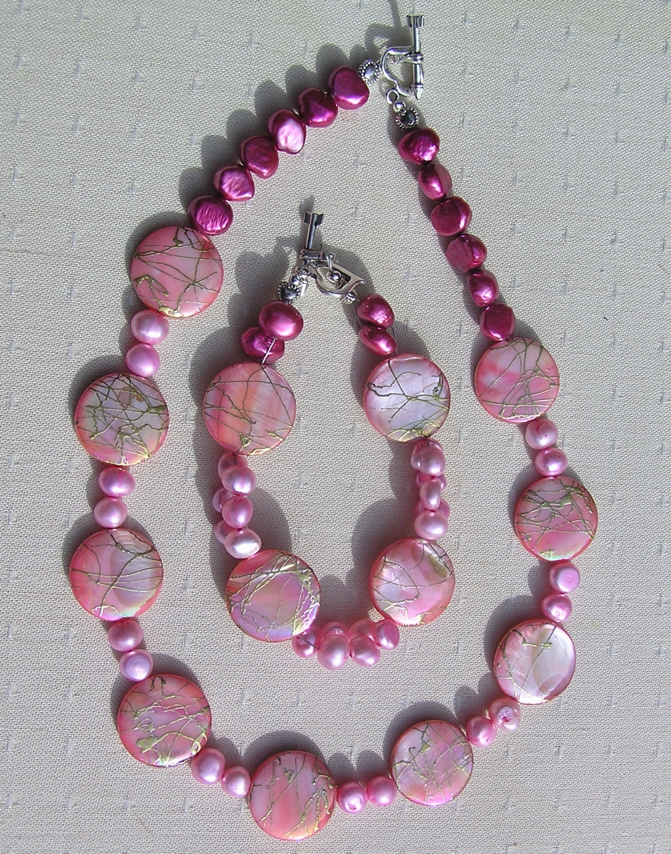 "Necklace and Bracelet Set - Mother of Pearl and Freshwater Pearl - ""Pink & Gold Fantasia"""