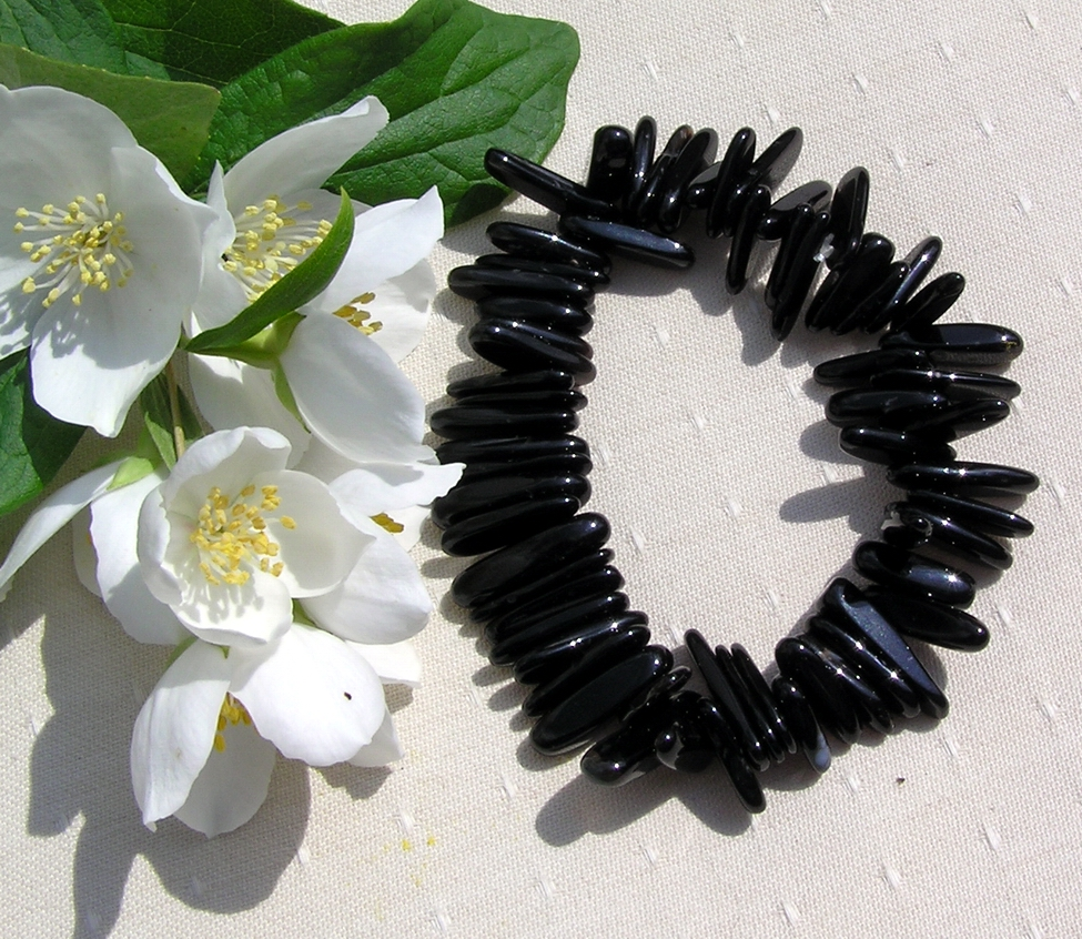 Black Onyx Polished Crystal Gemstone Stretchy Bracelet - Special Offer